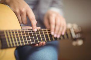 Beginner and intermediate guitar classes
